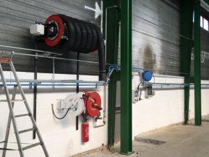 Réseau de distribution des fluides, réseau d'air comprimée et enrouleur d'extraction des gaz d'échappement 4